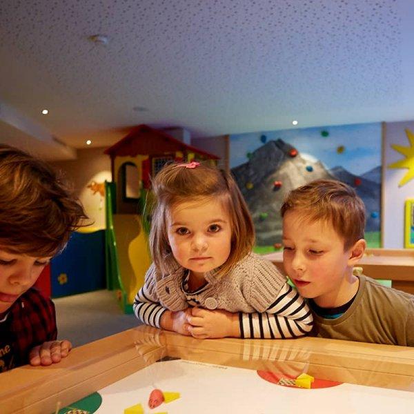 Spiel und Spaß im Kinderraum