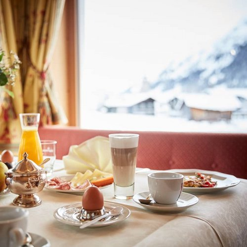 Breakfast at hotel Auriga in Lech