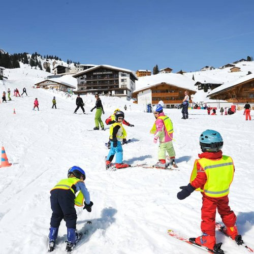 Skiing school on the Arlberg | Lech Zürs Tourismus GmbH