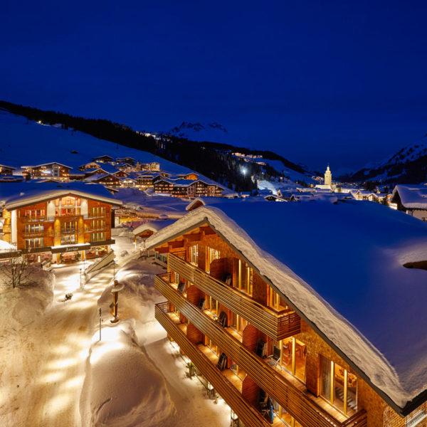 The Hotel Auriga at night in winter
