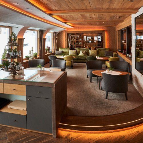 Cozy lobby at the Hotel Auriga