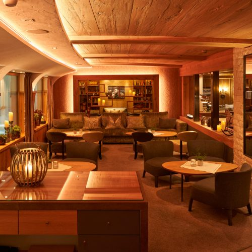 Gemütliche Lobby vom Hotel Auriga in Lech am Arlberg